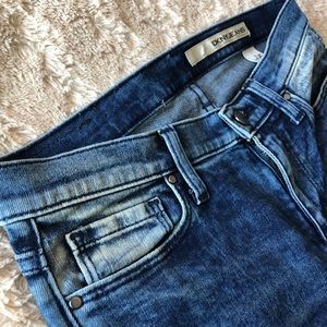 DKNY ankle jeans 👖 nwot size 2